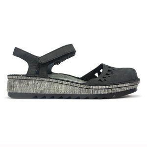 NAOT Celosio closed toe sandal